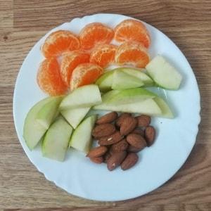 desayuno con frutas frescas