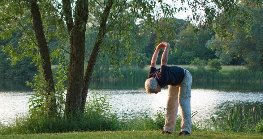 Pequeños movimientos a lo largo de nuestra vida pueden cambiar nuestra salud para mejor. Utiliza esta guía para saber de que estoy hablando.